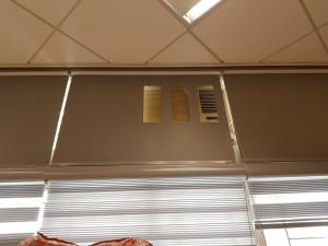 上方是遮光卷簾,開冷氣機機位;下方為彩紗簾!免費度尺!